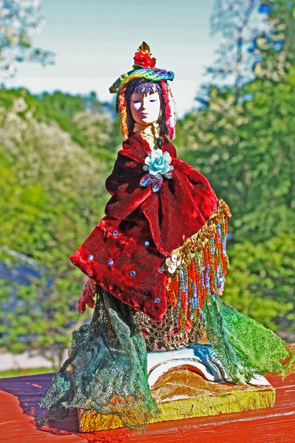 Gypsy Doll 1 EM